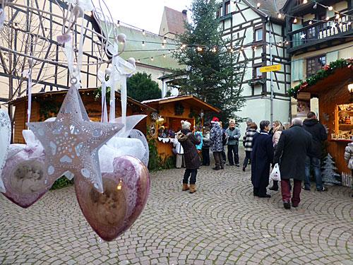 Eguisheim, Alsace, mercado de Natal