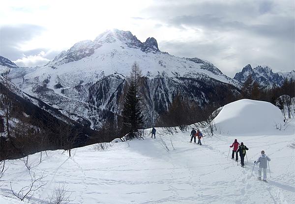 Caminhada de raquette na neve.