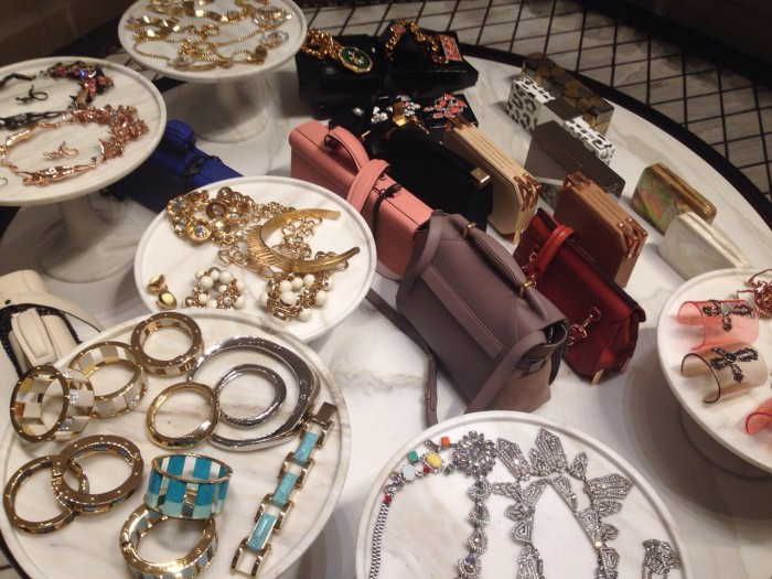Visita em lojas de bijoux de vanguarda