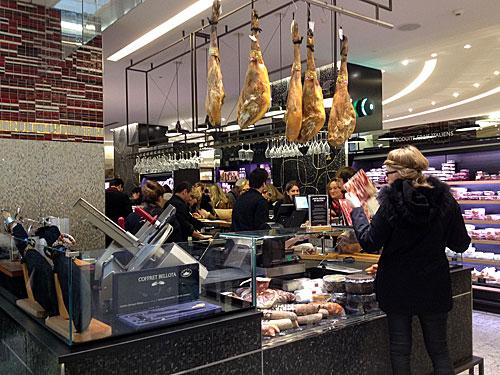 La Grande Épicerie de Paris, balcão de tapas