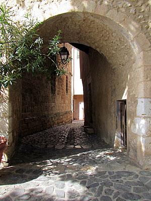 Moustiers Sainte Marie, becos da cidade