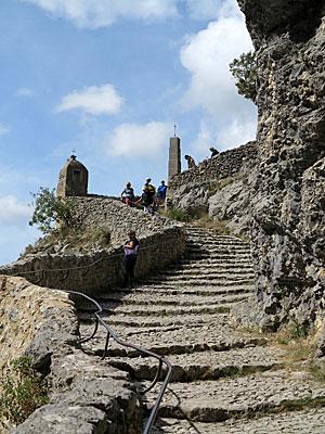 Capela de Moustiers, escadarias