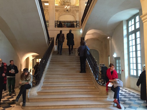 A imponente escadaria principal