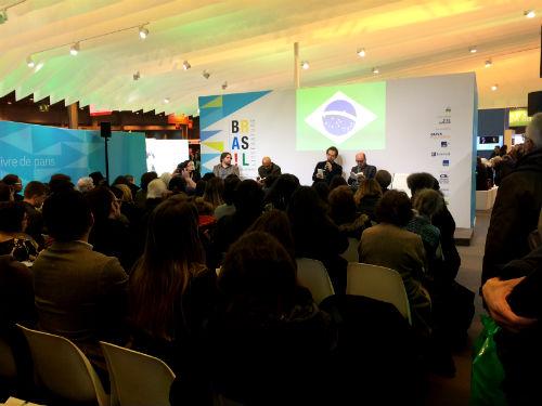 Paulo Lins, Marcelino Freire e Luiz Ruffato debatem sobre o espaço urbano na literatura contemporânea brasileira.