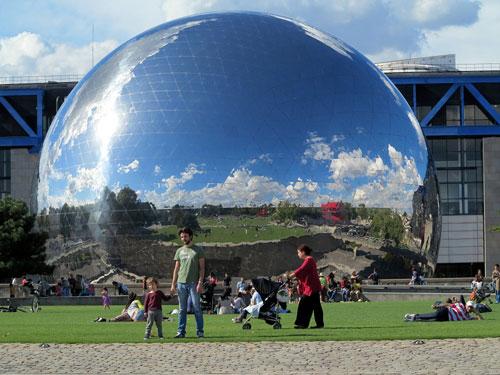 Parque de la Villette, La Geode
