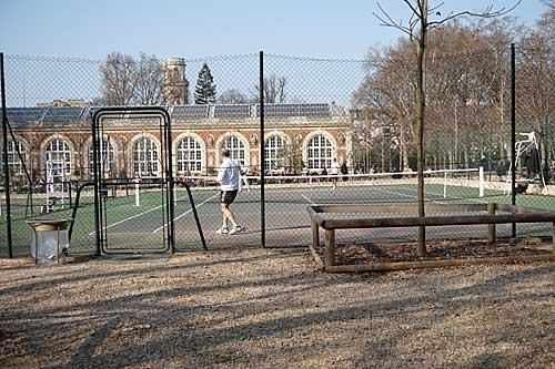 Jardim Luxemburgo, campos de tênis