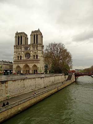 Notre Dame, onde se casaram Abelardo e Heloisa