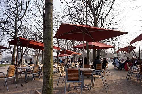 Tuileries e seus cafés