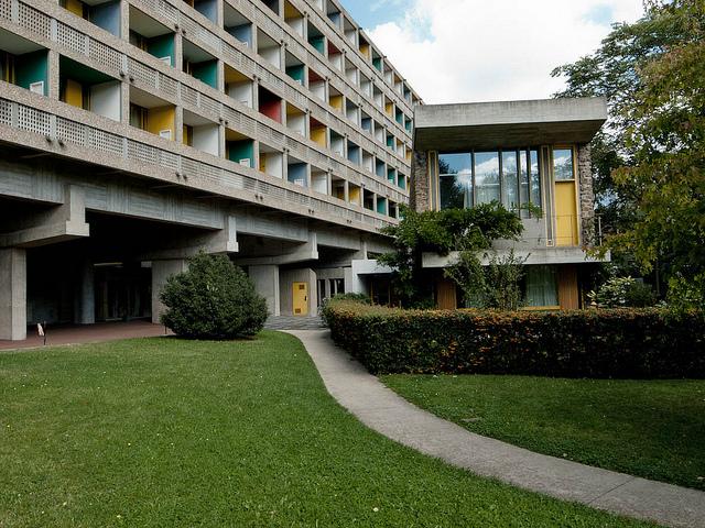 Maison du Brésil na Cité Universitaire de Paris, projeto de Lúcio Costa e Le Corbusier.