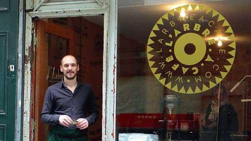 Rue du Nil, L'Arbre à Cafe