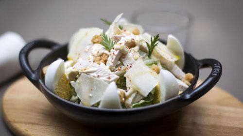 Salada Caesar. Foto do Figaroscope