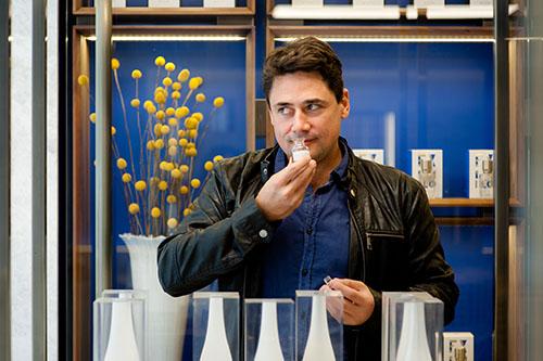 O perfumista brasileiro Daniel Pescio