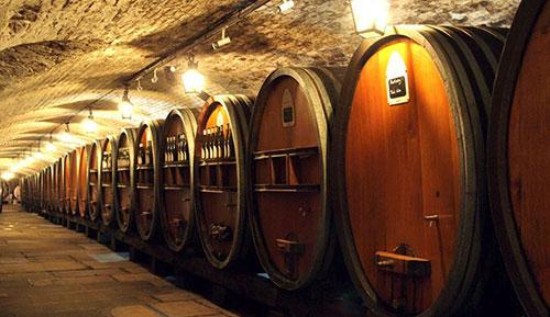 Cave de vinhos do Hospice de Strasbourg