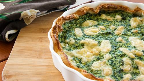 As tortas são práticas, gostosas e baratas. Você encontra ótimas tortinhas prontas nas padarias e nas delicatessens (traiteur).