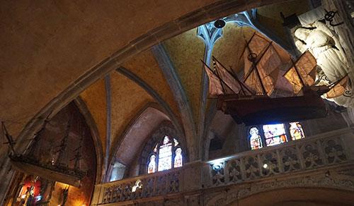 Basílica de Rocamadour. Ex-voto marinho em suspensão