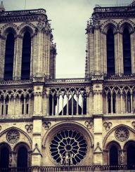 Suba nas torres da Notre Dame para ver Paris