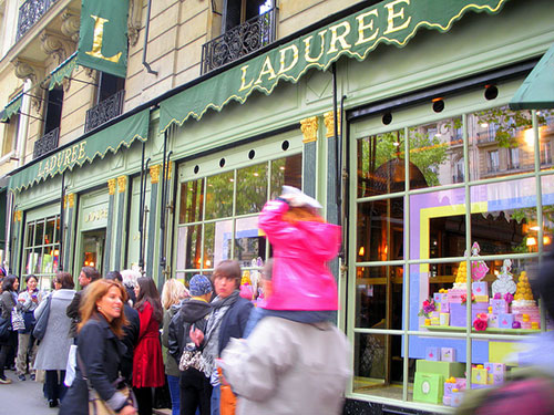 Ladurée, rue Royale. Tom Flemming no Flickr