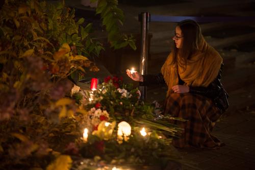 Homenagem aos mortos nos atentados de 13 de novembro em Paris