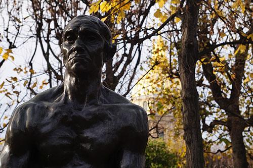 Jardim do Museu Rodin e no fundo Les Invalides