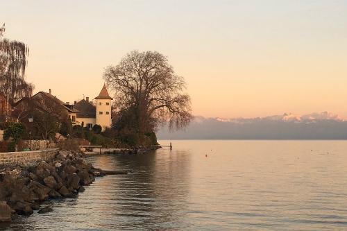 O vilarejo de Saint-Prex, entre Genebra e Lausanne, na Suiça