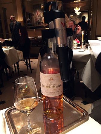 Restaurante Ambroisie: descoberta deste sistema para retirar o vinho