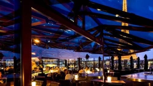 les-ombres-diner-au-restaurant-2e1b1