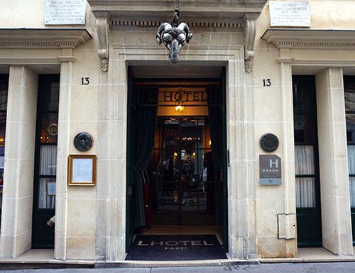 Fachada discreta do L'Hotel. Foto: Conexão Paris