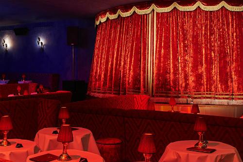 O palco do restaurante-cabaré Manko