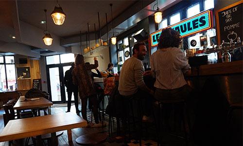 Les Piaules, bar e restaurante