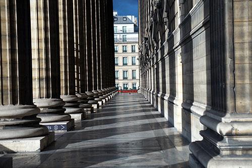 Lateral exterior da Madeleine. Foto arquivo do Conexão Paris
