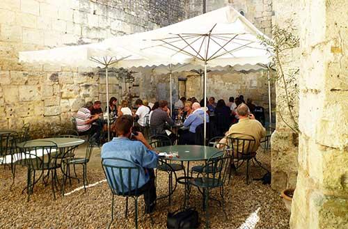 Bistrô e bar, l'Envers du Décor em Saint Emilion