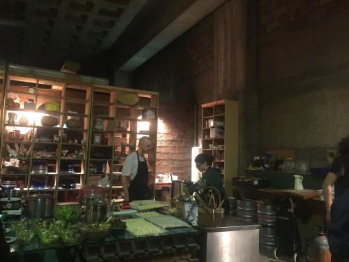 A cozinha aberta do Freegan Pony