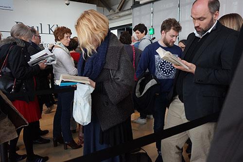 Fila de espera para exposição Klee