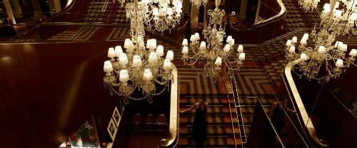 A escadaria do Royal Monceau