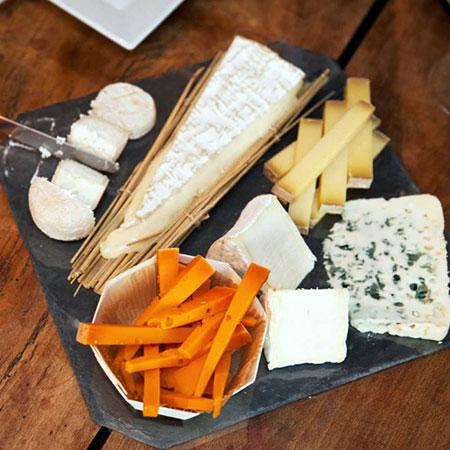 Tábua de queijo entregue no hotel