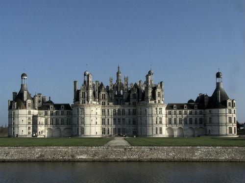 Chambord, o maior castelo do Loire, era usado como pavilhão de caça do rei François I, cuja residência ficava em Blois, a cerca de 15 km.