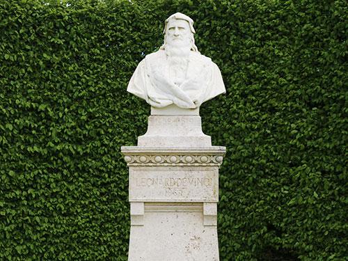 O túmulo de Leonardo da Vinci se encontra no castelo de Amboise, onde o gênio passou os últimos anos de sua vida.