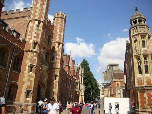 Exterior do St. John's College. Foto: Mariana Martins)