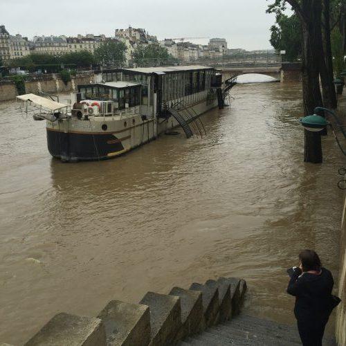 O Sena ontem, entre a Île de la Cité e a rive gauche