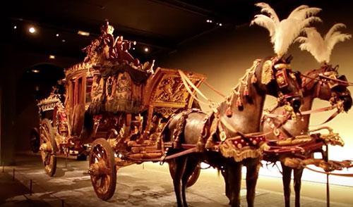 Galeria de Carruagens do Castelo de Versailles