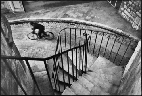 Henri Cartier-Bresson View profile FRANCE. The Var department. Hyères. 1932. Image ReferencePAR44919(HCB1932001W0066BC)© Henri Cartier-Bresson/Magnum Photos