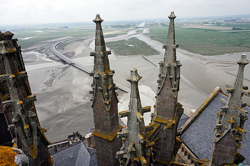 Foto tirada do telhado do Mont Saint Michel