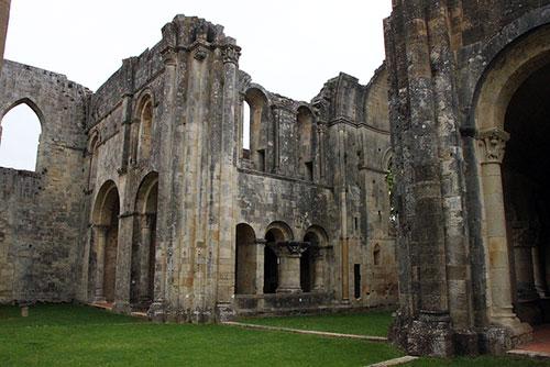Abadia Sauve Majeure. kristobalite no Flickr