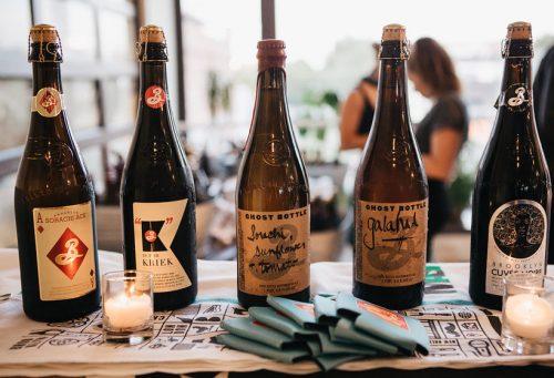 Algumas das cervejas da Brooklyn Brewery que serão servidas no evento Jantar com Amigos