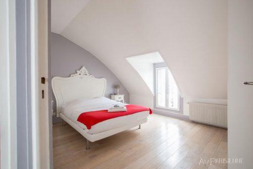 s quartos duplos com cama de casal king size (160cmx200), guarda roupas e cofres,