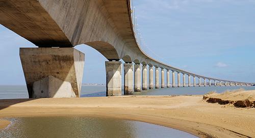Ponte de lÎle de Ré. thierry Ilansades no Flickr