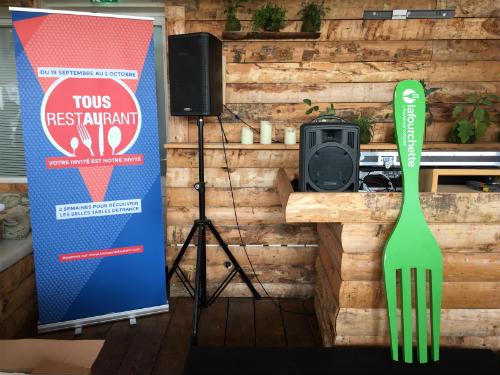 Lançamento do evento Tous au Restaurant 2016 que aconteceu na segunda-feira dia 19 de setembro no bar efêmero Perchoir, no terraço da loja de departamentos BHV, no Marais