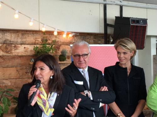 A prefeita de Paris, Anne Hidalgo, o chef Alian Ducasse (diretor do evento) e Julie Andrieu (madrinha do evento)