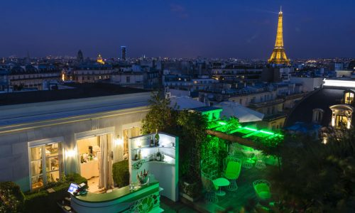 terrace-bar-by-night-hotel-raphael-paris
