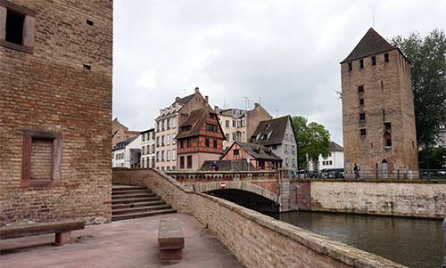 Estrasburgo, detalhe das torres da antiga ponte